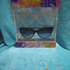 Betsey Johnson Reading Glass & Sunreader